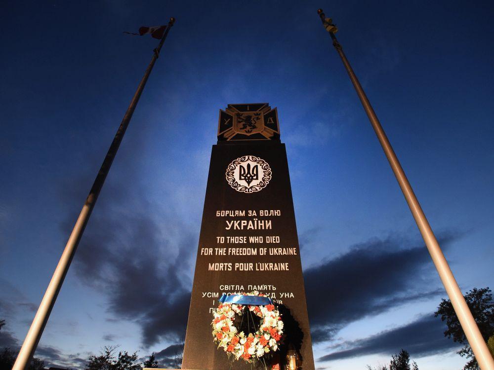 پلیس انتاریو نوشتن با اسپری روی مجسمه یادبود سربازان اس اس نازی را اقدام برای نفرت پراکنی تشخیص داد!