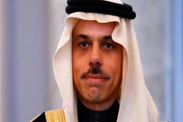 وزیر خارجه عربستان پیغام ملک سلمان را به امیر قطر ابلاغ کرد