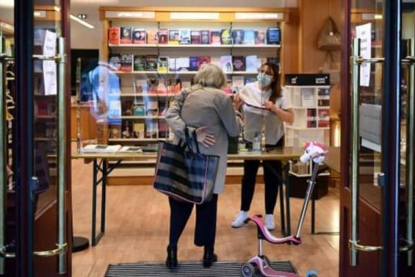 قرنطینه سراسری در فرانسه، درخواست کتابفروشان برای ادامه فعالیت