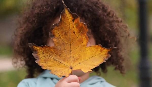 شعر در مورد موی فر ؛ 27 شعر عاشقانه در مورد مو فرفری