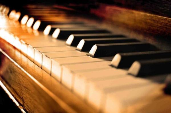 دانشمندان موسیقی را هدیه ای از مادر طبیعت می دانند، مغز را با گوش دادن به موسیقی جوان نگه دارید