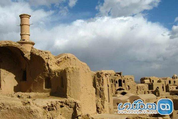 بازسازی قلعه تاریخی خرانق شهرستان اردکان آغاز شد