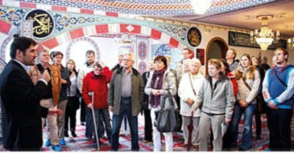 تور ارزان آلمان: مساجد آلمان میزبان غیرمسلمانان